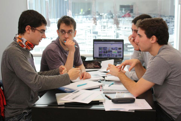 Case-Study-team-working
